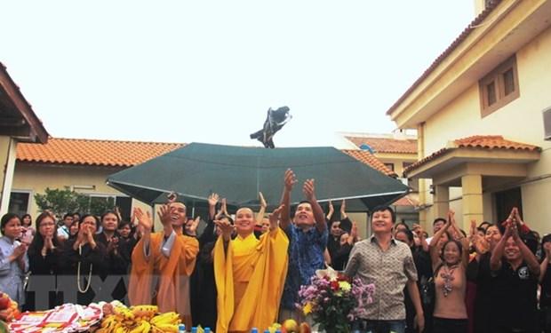 Le 2562e anniversaire de la naissance de Bouddha fete en Angola hinh anh 1