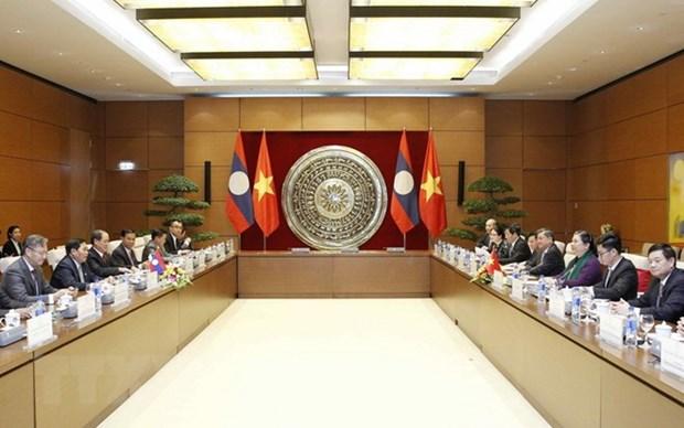 L'AN du Vietnam attache de l'importance des relations exterieures avec l'AN du Laos hinh anh 1