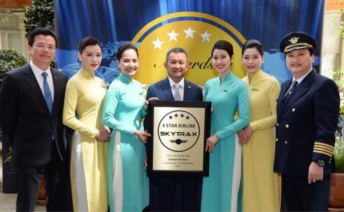 Vietnam Airlines continue de recevoir le titre de compagnie aerienne internationale a 4 etoiles hinh anh 1