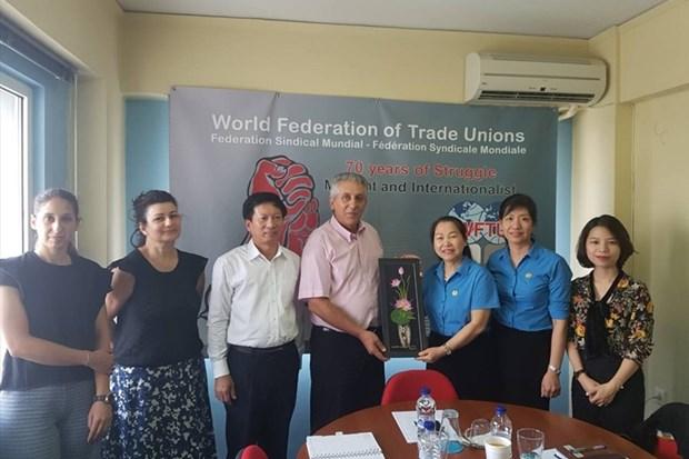 Une delegation syndicale du Vietnam en visite de travail en Grece hinh anh 1