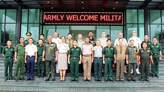 Des attaches militaires etrangers au Departement des operations de maintien de la paix du VN hinh anh 1