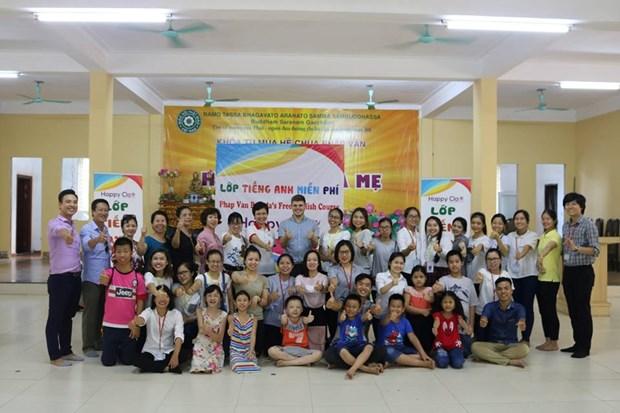 Cours d'anglais gratuit au sein d'une pagode a Hanoi hinh anh 1