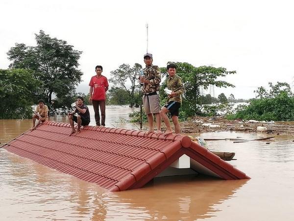 Le president sud-coreen ordonne l'envoi d'une equipe de secours au Laos hinh anh 1