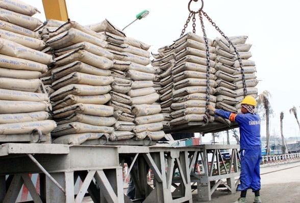 Le bond des exportations nationales de ciment pour les 7 premiers mois de l'annee hinh anh 1