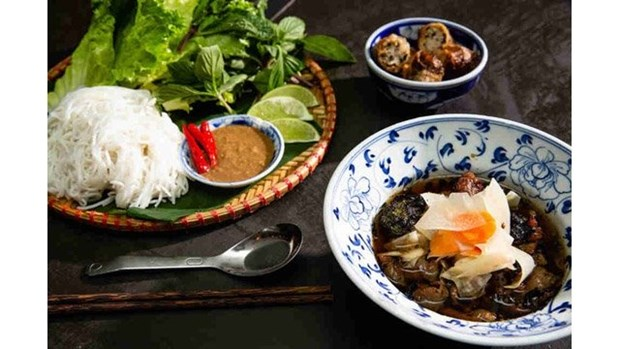 10 bons mets vietnamiens presentes sur le site web Thrillist hinh anh 1