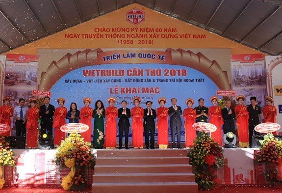Ouverture de l'exposition internationale Vietbuild Can Tho 2018 hinh anh 1