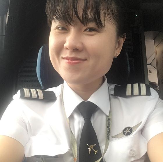 Jetstar Pacific compte dans ses rangs la premiere capitaine vietnamienne hinh anh 1