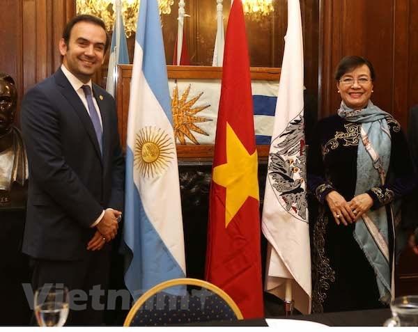 Une delegation de Ho Chi Minh-Ville a Buenos Aires pour resserer les liens d'amite hinh anh 1