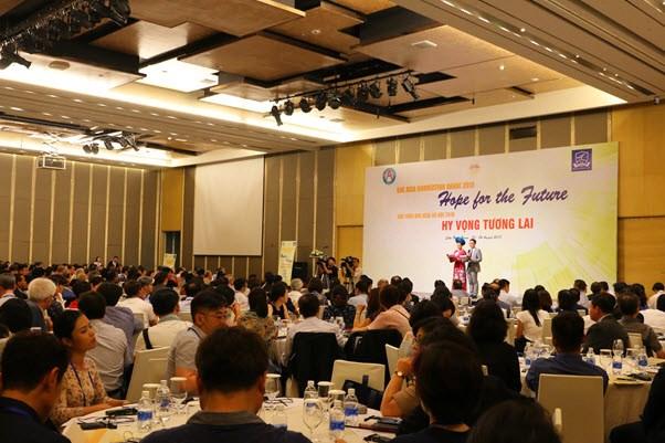 Plus de 300 universites au seminaire « Espoir pour l'avenir » hinh anh 1