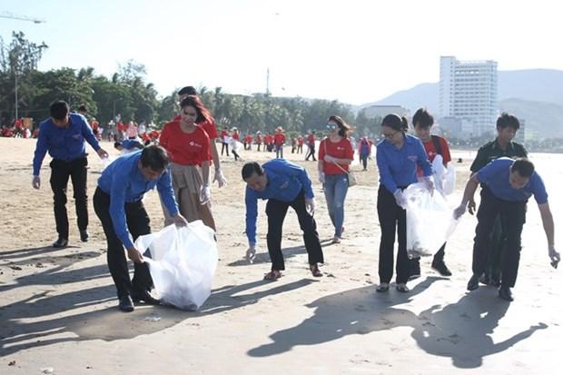 Une campagne pour encourager la participation du public au nettoyage de la mer hinh anh 1