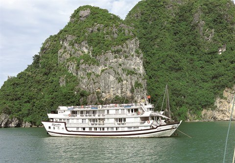 Quang Ninh prend des mesures pour ameliorer ses services touristiques hinh anh 1