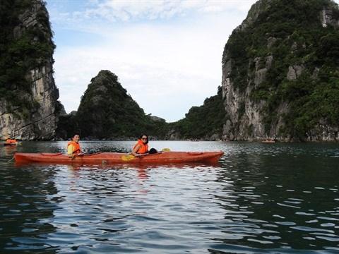 Quang Ninh prend des mesures pour ameliorer ses services touristiques hinh anh 2