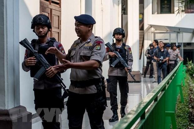 La police indonesienne arrete cinq terroristes lies a l'EI hinh anh 1