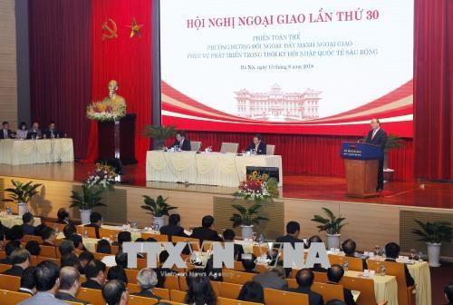 Le Premier ministre present a la 30e conference diplomatique hinh anh 1