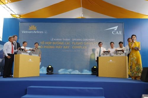 Vietnam Airlines inaugure un complexe de simulation de vol hinh anh 1