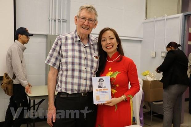 Parution d'un nouveau livre sur le President Ho Chi Minh au Canada hinh anh 2