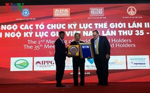 Le Vietnam decroche quatre autres records du monde hinh anh 1