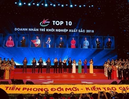 Soixante-huit excellents jeunes entrepreneurs honorees hinh anh 1