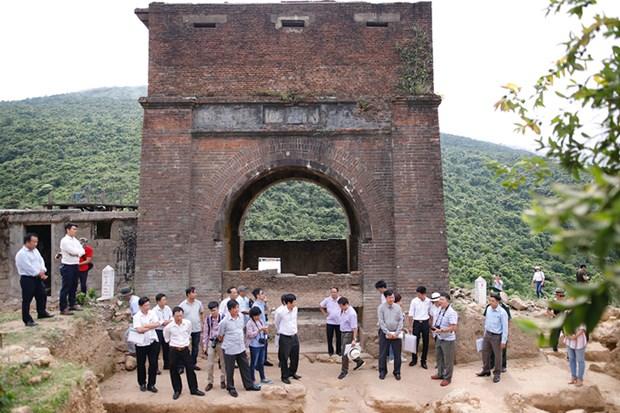 Des vestiges archeologiques decouverts a la porte de Hai Van hinh anh 1