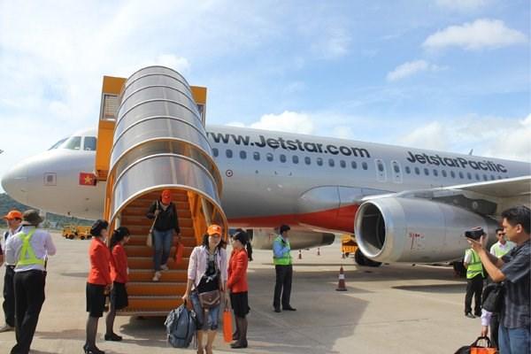 La compagnie aerienne a bas prix Jetstar Pacific coopere avec la compagnie aerienne Emirates hinh anh 1
