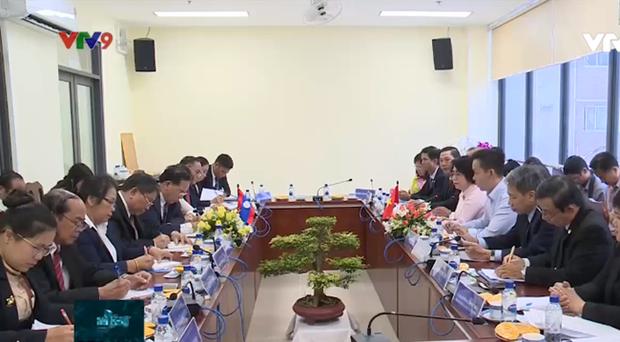 Ho Chi Minh-Ville partage avec Vientiane son experience de travail du Front d'edification nationale hinh anh 1
