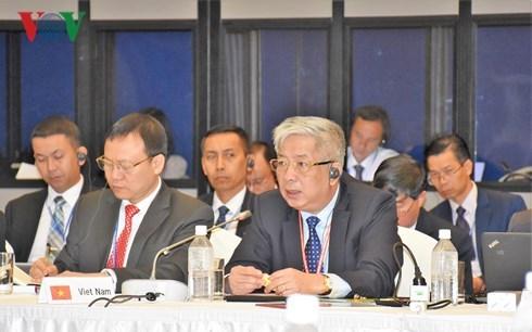 Le Vietnam renforce sa cooperation de defense avec l'ASEAN et le Japon hinh anh 1
