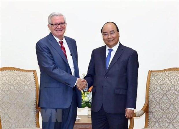 Le PM Nguyen Xuan Phuc recoit un sous-secretaire d'Etat au Commerce des Etats-Unis hinh anh 1