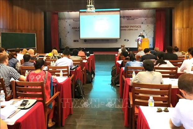 Debut de la classe de physique des hautes energies Europe - Asie - Pacifique a Quy Nhon hinh anh 1