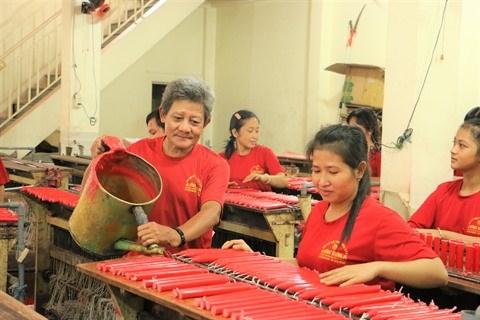 Chau Doc : Fabrication de chandelles, un metier inoubliable hinh anh 1
