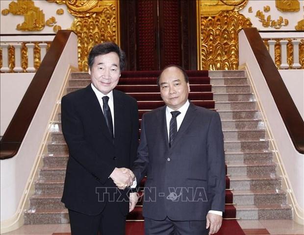 Entrevue entre le PM Nguyen Xuan Phuc et son homologue sud-coreen Lee Nak-yeon hinh anh 1