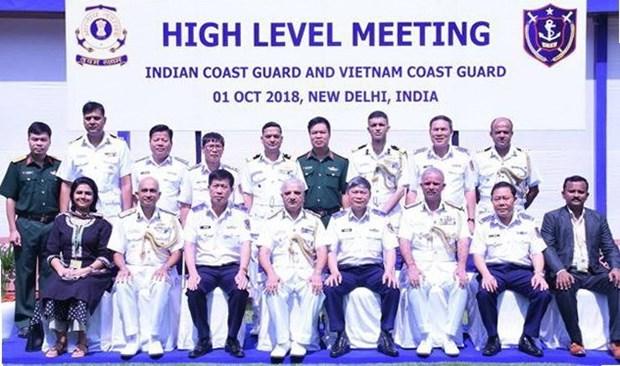 Un navire de la Garde-cote du Vietnam en visite en Inde hinh anh 1