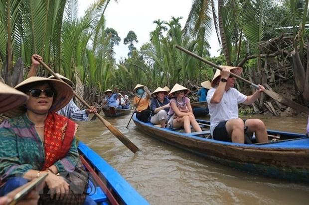 Pour la premiere fois, le Vietnam classe des guides touristiques hinh anh 1