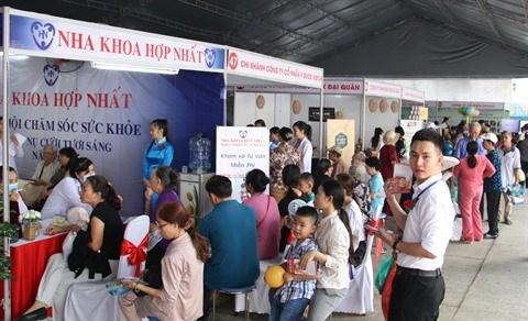 Des soins de sante gratuits pour plus de 10.000 personnes hinh anh 1