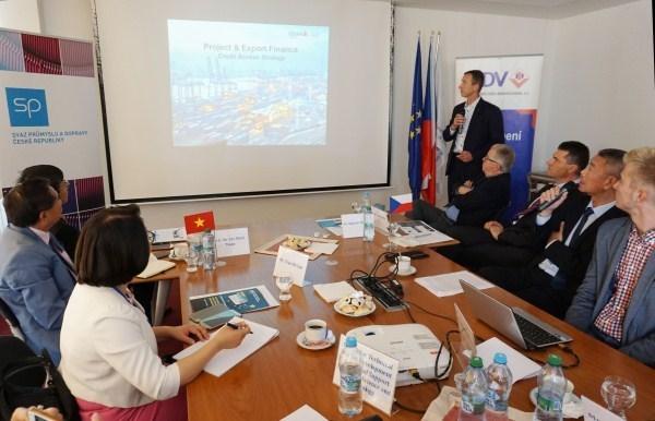 Colloque sur le commerce Vietnam - Republique tcheque hinh anh 1