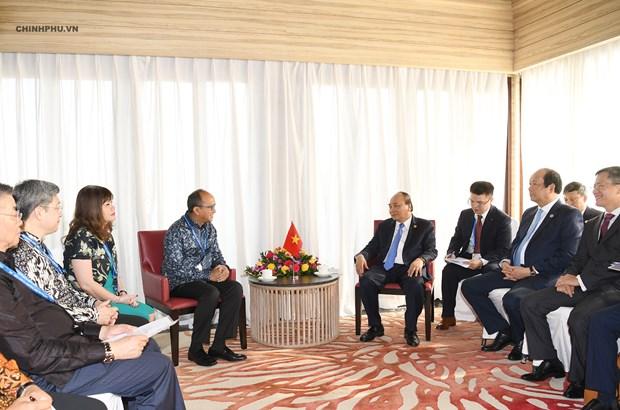 Le PM Nguyen Xuan Phuc rencontre des hommes d'affaires indonesiens hinh anh 2