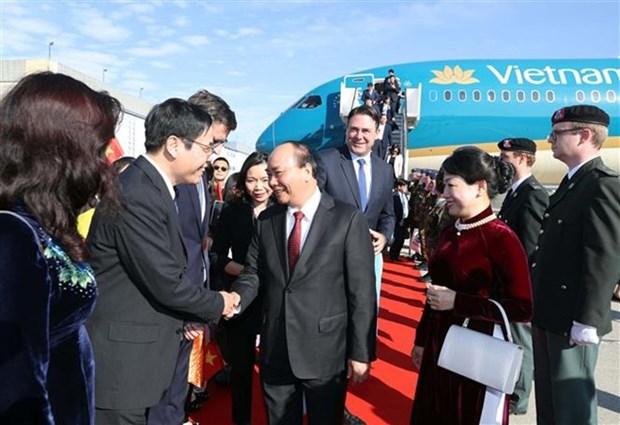 Le Premier ministre Nguyen Xuan Phuc arrive a Bruxelles hinh anh 1