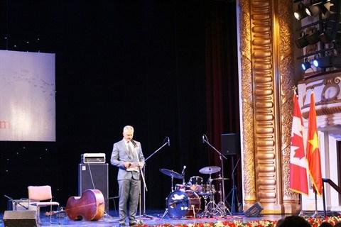 Canada - Vietnam : le groupe B's Bees s'anime lors d'un concert de jazz a Hanoi hinh anh 1