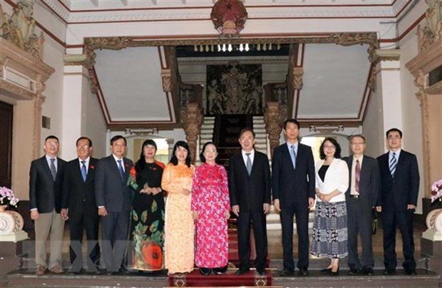 Cooperation intensifiee entre HCM-Ville et Shanghai (Chine) hinh anh 1