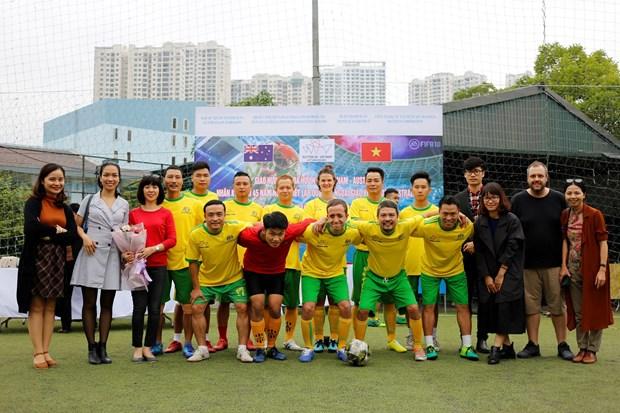 Tournoi de football amical a l'occasion des 45 ans des relations diplomatiques Vietnam – Australie hinh anh 1
