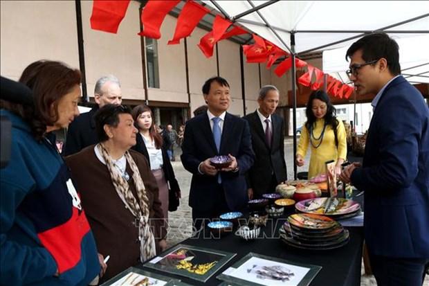 Celebration des 25 ans des relations diplomatiques Vietnam - Uruguay hinh anh 2