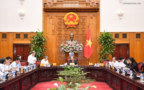 Nguyen Xuan Phuc travaille avec des responsables de Thua Thien-Hue hinh anh 1