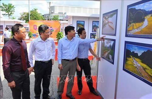 L'ouverture de l'exposition photographique