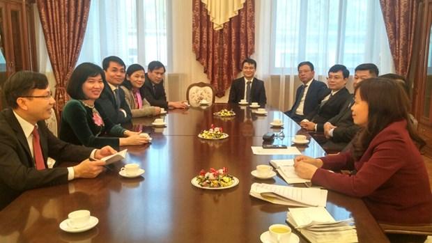 Hanoi resserre ses liens avec la Russie et la Republique tcheque hinh anh 1