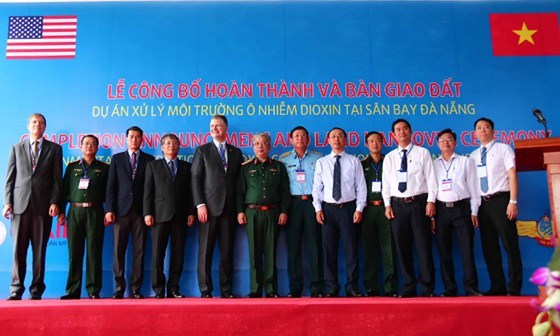 Accomplissement du traitement de la dioxine a l'aeroport international de Da Nang hinh anh 1