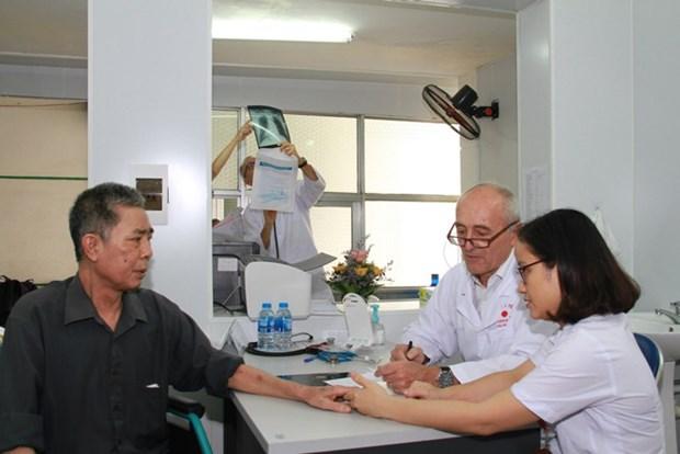 Consultations medicales gratuites: des medecins francais a Hai Phong hinh anh 1