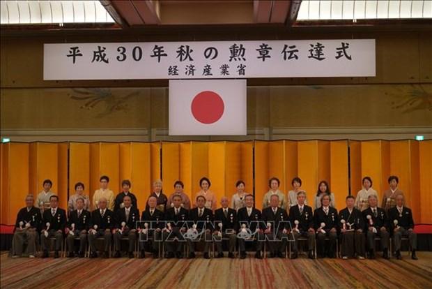 Le president de l'Association des Vietnamiens au Japon recoit l'Ordre du Soleil Levant hinh anh 1