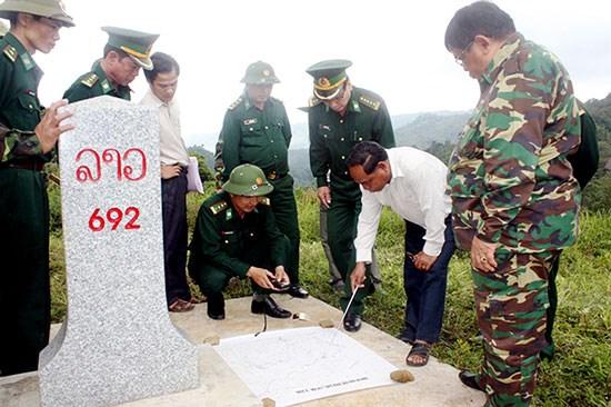 Formation professionelle sur la gestion frontaliere pour des officiers laotiens hinh anh 1