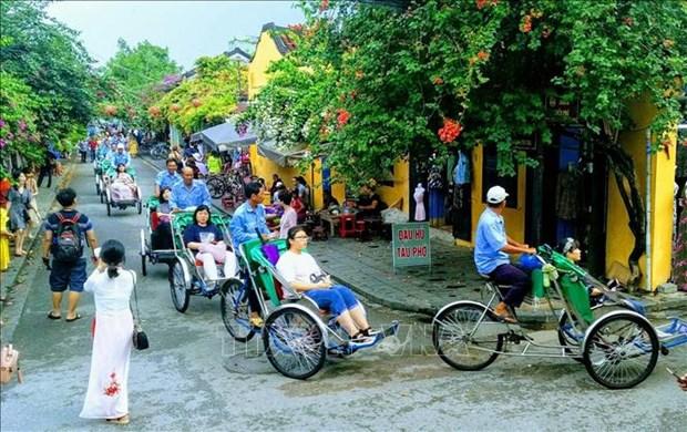 Le Vietnam accueille plus de 14,1 millions de visiteurs etrangers en 11 mois hinh anh 1