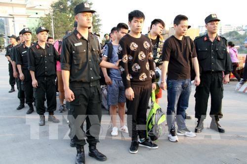 Lao Cai : arrestation de personnes pour escroquerie en ligne hinh anh 1