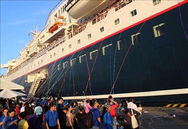Le bateau de la jeunesse ASEAN-Japon 2018 part pour le Japon hinh anh 1
